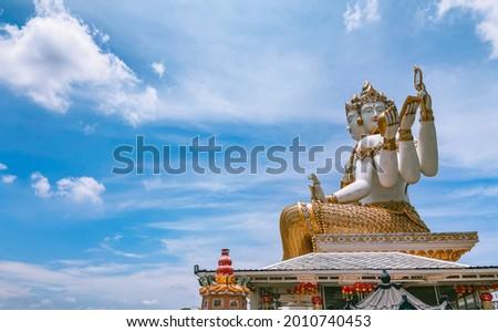 Wat Saman Rattanaram flower petals temple in Chachoengsao, Thailand Stok fotoğraf ©