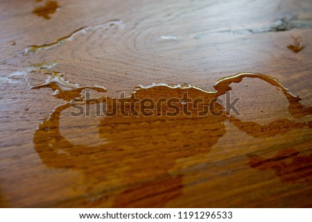 Free Photos Glass Of Water On Wood Background Spilled Water