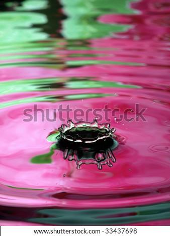 Water Droplet Ripple green pink ring splash