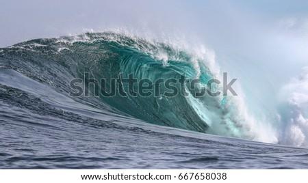 Waves #667658038