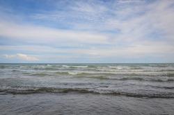 Wavy water in Presqu'ile point