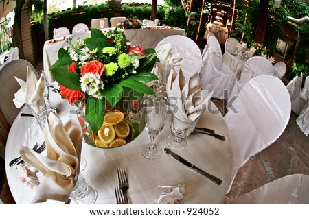 wedding cake church flowers bride groom artistic reception