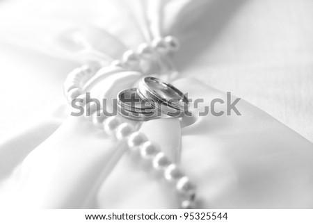 Wedding day, black & white