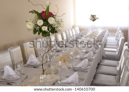 Wedding decoration with white flowers