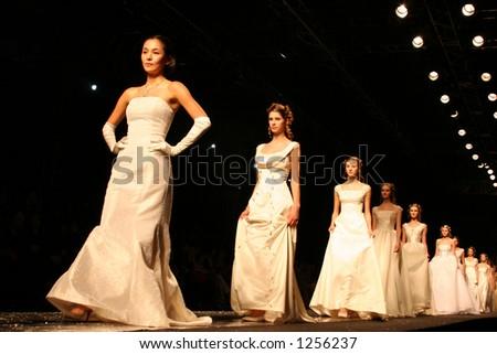 Wedding dress model. Seoul Fashion Week (Seoul Collection) Fall/Winter 2006.  Hwang Jae Bock collection.