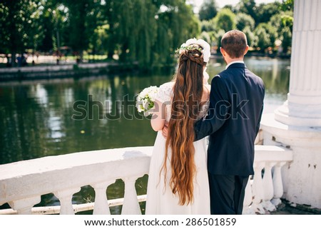 wedding love on the fall