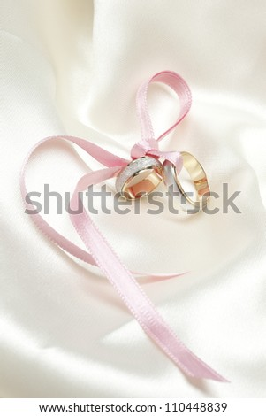 Wedding rings and decoration