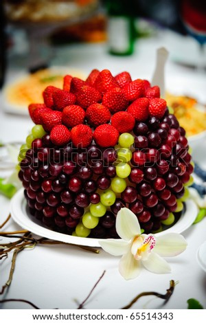 Wedding table fruit decoration