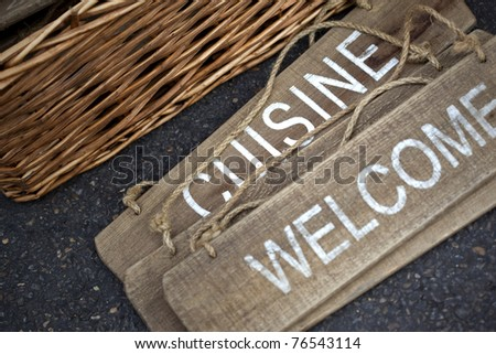 Welcome and kitchen signs