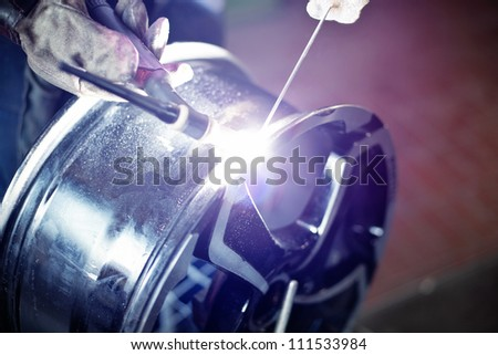 Welding alloy rim. Alloy wheel repair