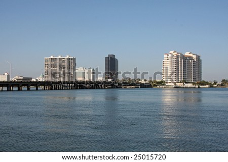 West Palm Beach, Florida skyline and the Flagler bridge