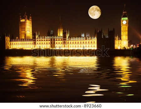 Westminster - houses of parliament reflected in the Thames at night