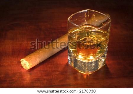 whiskey and a cigar close up shoot