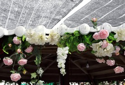 white and pink rose and flower Hang upside down the ceiling