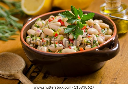 White bean cannellini salad.