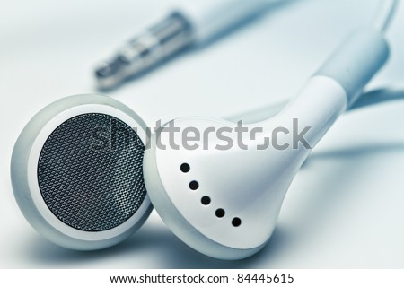 white earphones with the jack
