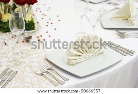 White Fine Wedding Table Setting