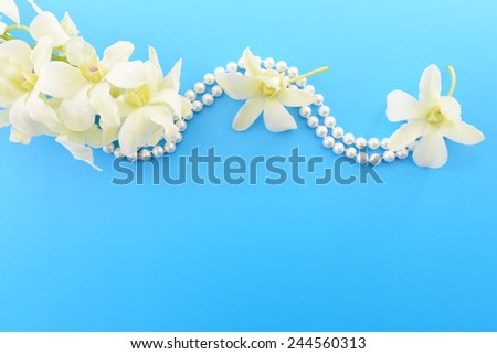 white flower and pearl