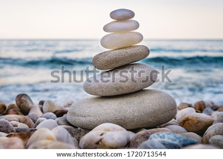 White oval pebble one on another make up group Stock foto ©