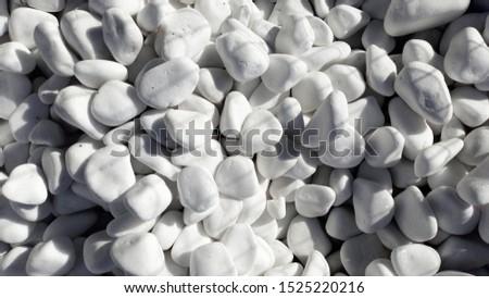 White Pebbles Landscaping Decoration Stones