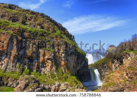 White River waterfall in the open high desert of eastern Oregon