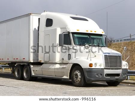 White Tractor Trailer #996116