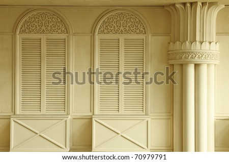 white window and pillar design in warm tone
