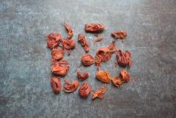 Whole dry organic Mace spice