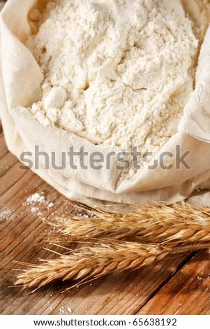 Whole flour with wheat ears