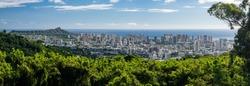 Wide panoramic image of Waikiki, Honolulu and Diamond Head from the Tantalus Overlook on Oahu, Hawaii