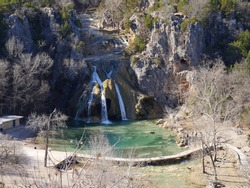 Wide shot of the 77-foot Turner Falls in Davis, Oklahoma in winter.