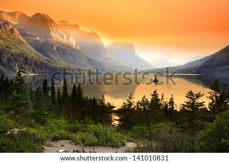Wild goose island in Glacier national park