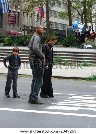 Will Smith and Alice Braga on the set of I am Legend in New York City(visible Noise at Full Size)