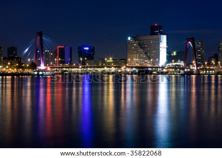 Willems bridge of Rotterdam and Mass River. Night scene