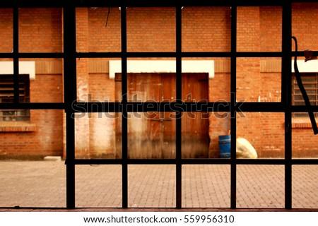 Window #559956310