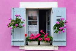 Window box flower arrangement, Burgundy, France