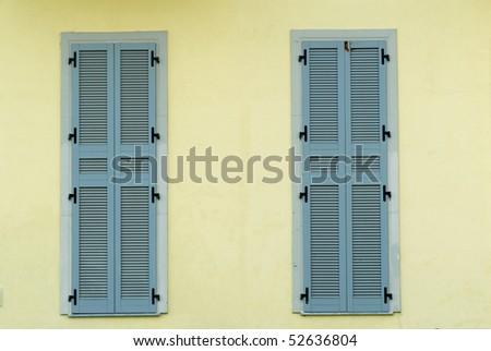 stock-photo-windows-closed-52636804.jpg
