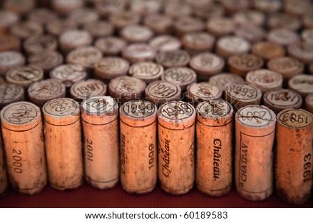 Wine corks arrangement with perspective effect