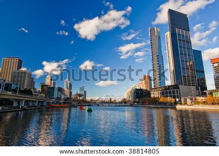 Winter in Melbourne, Skyscrapers on Yarra River #38814805