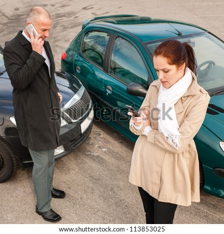 Woman and man on phone car crash accident calling problem