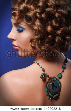 woman and necklace full head shoot