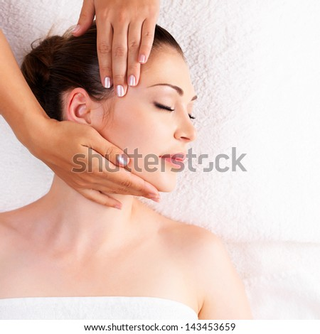 Woman having massage of body in the spa salon Beauty treatment concept