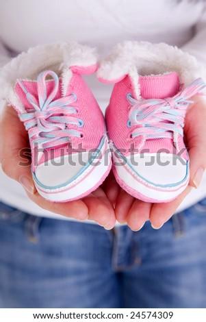 احذية للمواليد بتجننن  2010 stock-photo-woman-ho