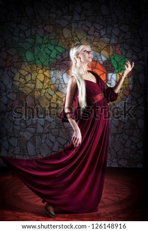 Woman in medieval fantasy dress, moving forward
