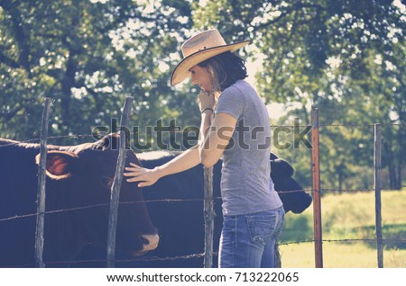 4545ba64b5a Free photos Country Girl in hat leaning on fence