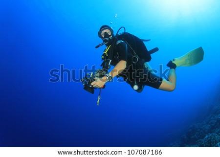 Woman Scuba Diver in the Ocean #107087186