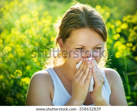 woman suffering from pollen allergy