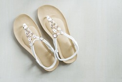 Woman white Leather Sandals, get ready for your summer with your white shoes