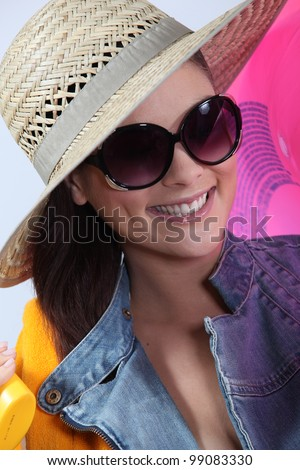 woman with beach hat