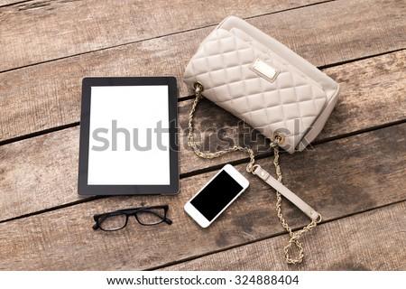 Women\'s accessories